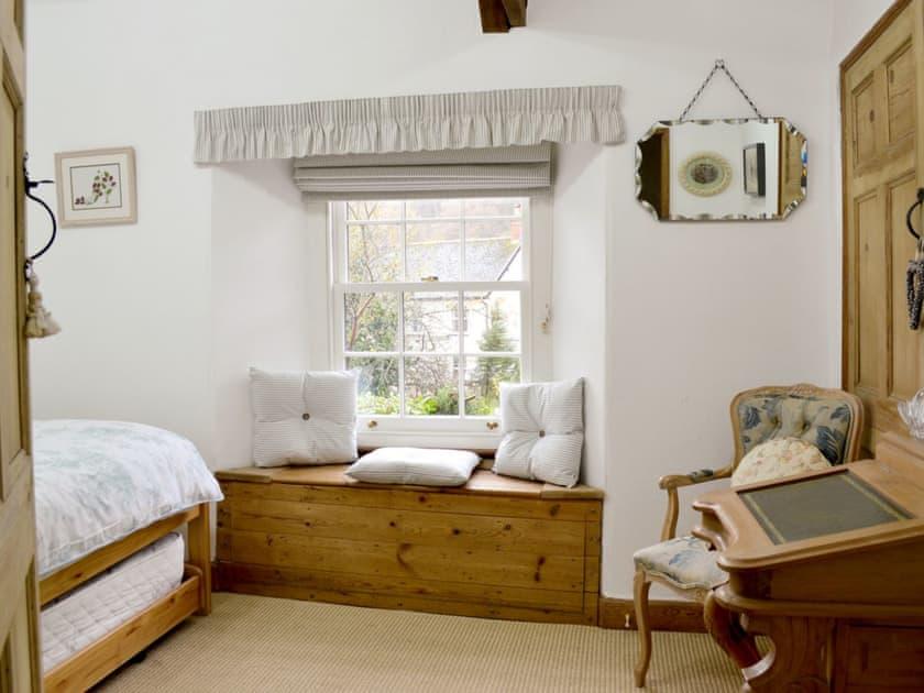 Spacious single bedroom | Norfolk House, Dulverton