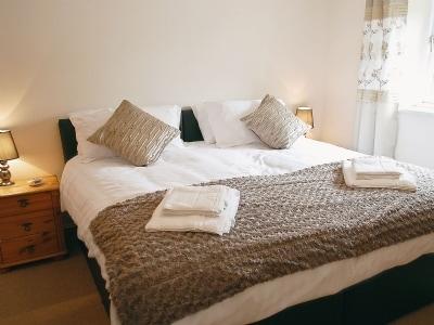Double bedroom | Fenns Barn, Butterton, nr. Leek