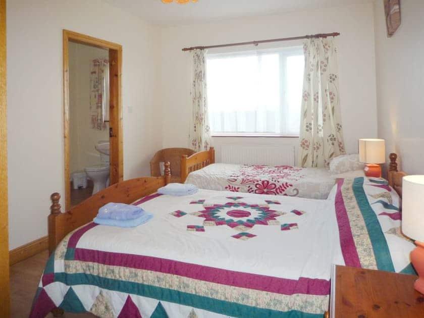 Twin bedroom | Harbour View, Portmagee, Co. Kerry