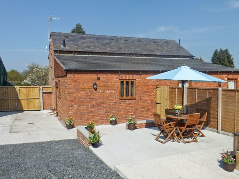 Castle Farm Cottages - Nuthatch