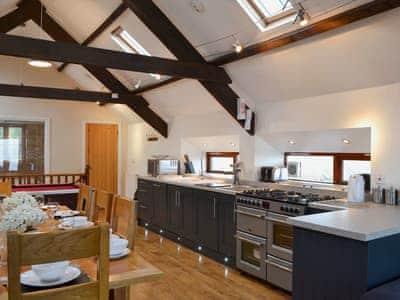 Kitchen and dining area | Llwynywynau Isaf Barn, Tynreithyn