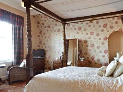 Four Poster bedroom   Sconser Lodge, Sconser, Isle of Skye