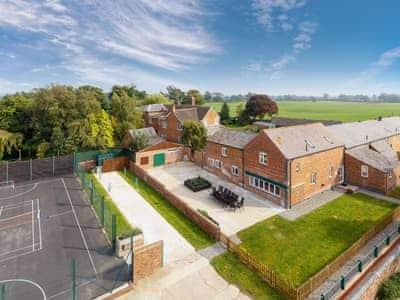 Alkington Grange Barns - James Parlour