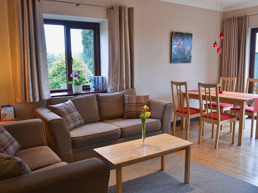 Living room/dining room | Boundary Gallery Cottage, Framlingham, nr. Woodbridge