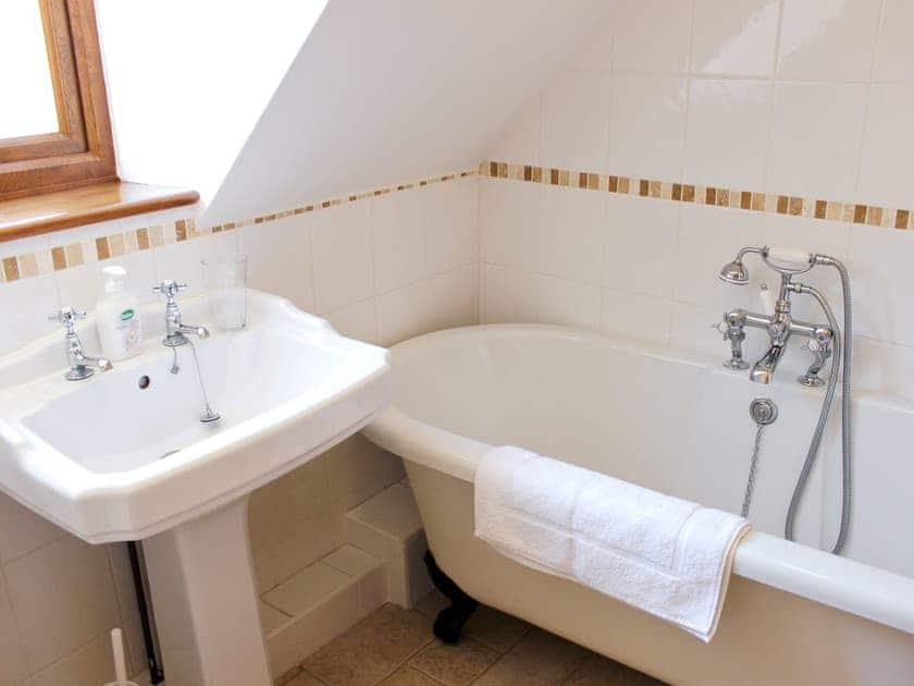 Bathroom | Oak Bank Cottage, Longhope, nr. Ross-on-Wye