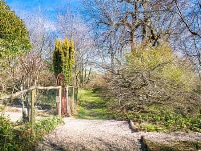 Garden | Llethrau Long Barn, Felindre, nr. Knighton