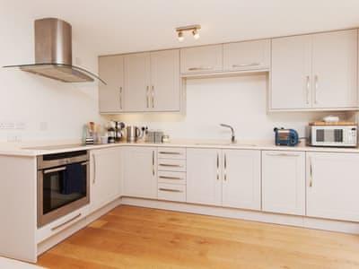 Open plan living space | Bosun's, 17 Island Street, Salcombe