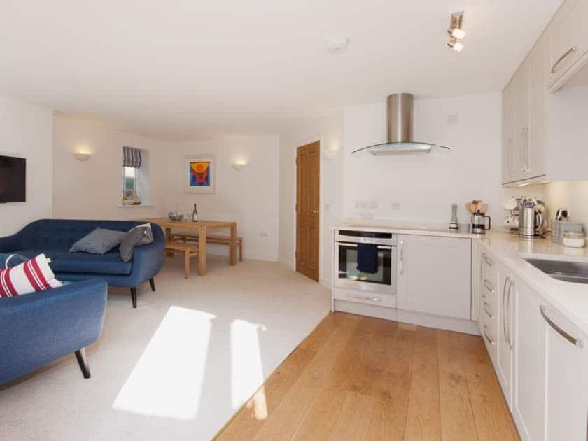 Open plan living space   Bosun's, 17 Island Street, Salcombe
