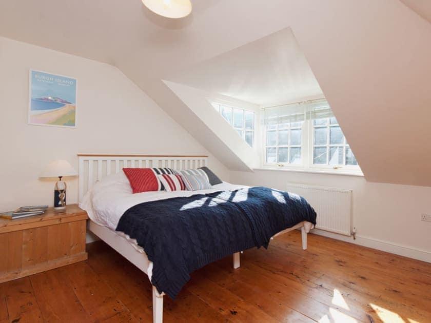 Double bedroom   Bosun's, 17 Island Street, Salcombe