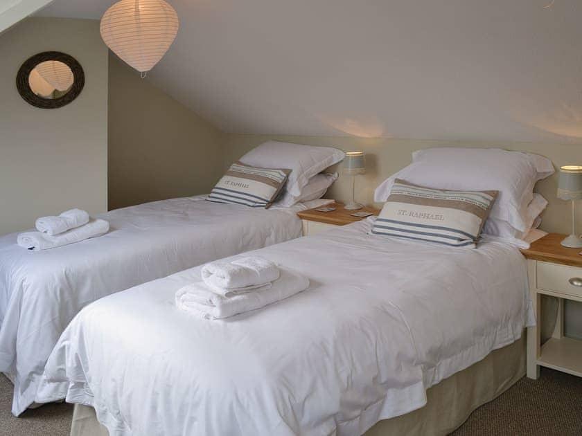 Twin bedroom | Maison du Quai, Cley-next-the-Sea