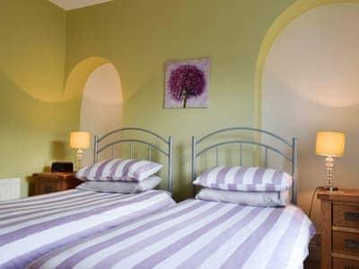 Twin bedroom | Poachers' Cottage, Keswick