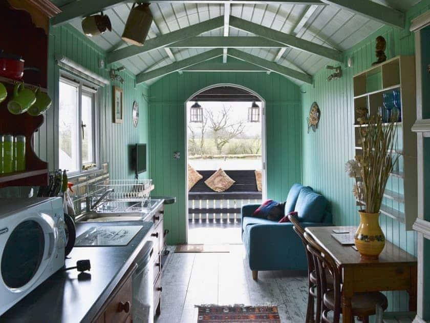 Open plan living/dining room/kitchen | Lakeside Hut, Gillingham