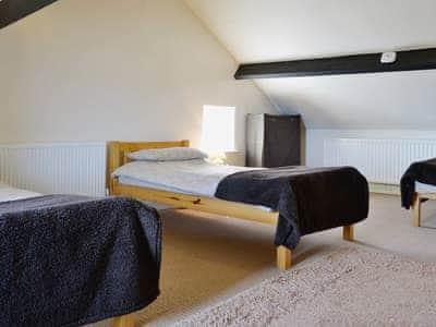 Triple bedroom | Graiglwyd Farm, Penmaenmawr, Conwy