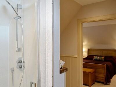 En-suite | Petronella, Linlithgow near Edinburgh