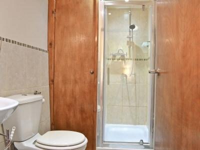 Shower room | Ysgubor, Tregaron