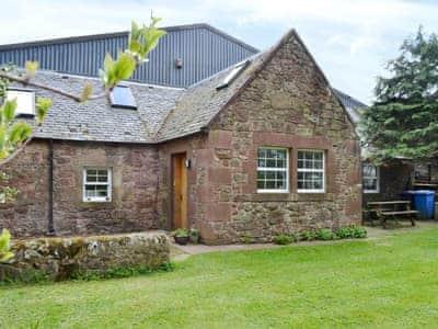 Exterior | Steading Cottage, Near West Calder, Edinburgh