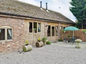 Milton End Farm Barns - The Chaff House