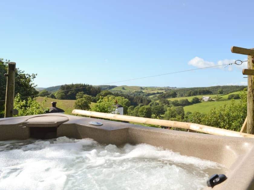 Hot tub | Brynhoreb, New Cross near Aberystwyth