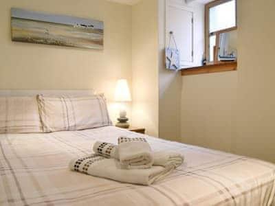 Comfy bedroom | Making Waves, Cellardyke near Anstruther