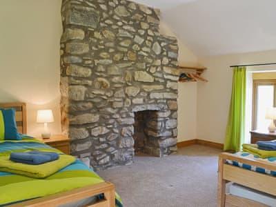 Twin bedroom | Gorsddu, near Llanwrthwl, Powys