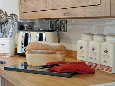 Kitchen/diner | Grofftau Cottages - Golygfa'r Mynydd, Pontrhydfendigaid, nr. Tregaron