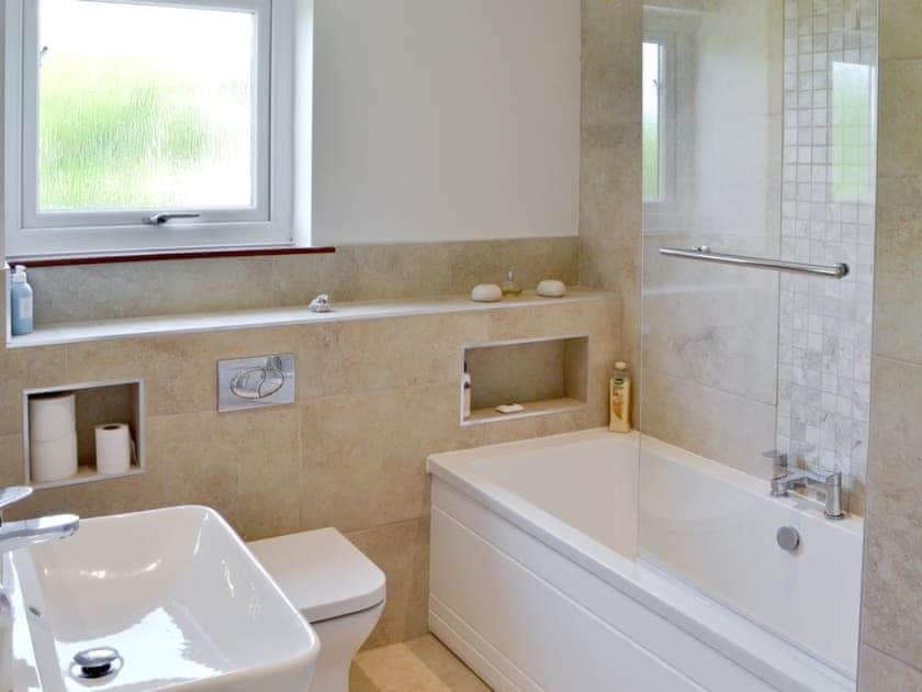 Bathroom | St Illex, Port Gaverne