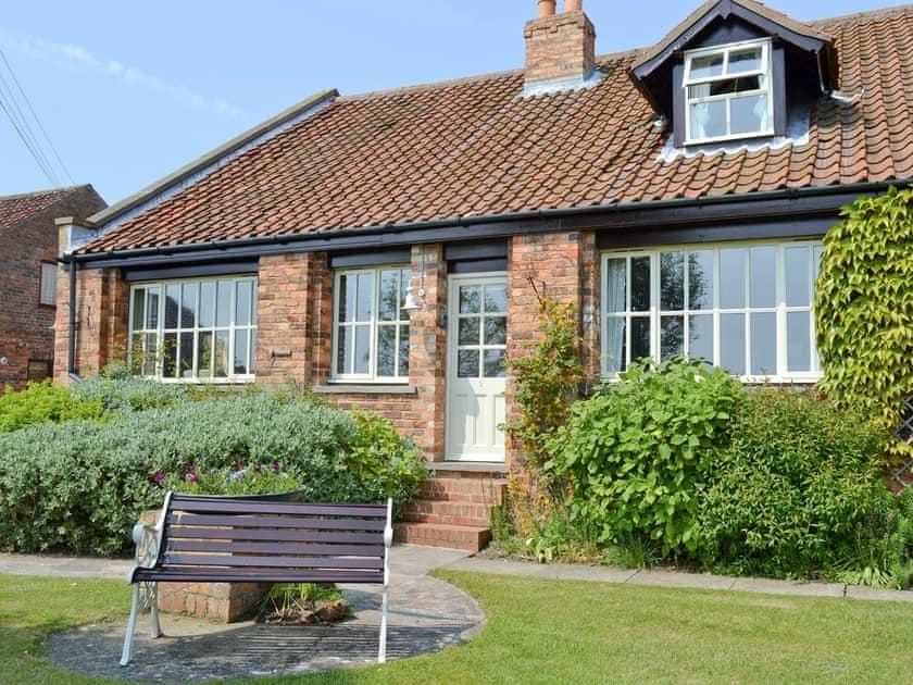 Barnmoor Farm Cottages - Jasmine Cottage