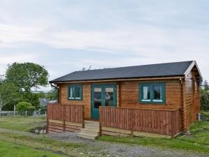 Birdsong Cabin