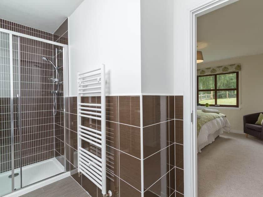 Appealing en-suite shower room | Birch Corner, Aviemore