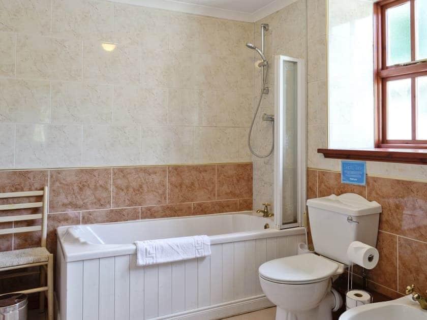 Bathroom | Auchendennan  - Burnbeag, Arden, Alexandria