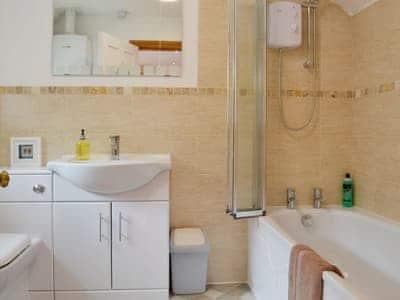 Bathroom | Bron View Cottage, Blaenau Ffestiniog