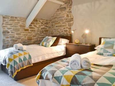 Twin bedroom | Ivy Bush Cottage, Llandewi Brefi, nr. Tregaron