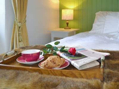 Master bedroom | Squirrel's Tale Cottage, Dulnain Bridge