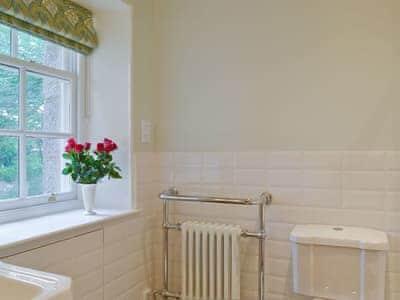 Bathroom | Squirrel's Tale Cottage, Dulnain Bridge