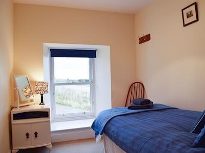 Single bedroom   Glowry Cottage, Gilmerton near Crieff