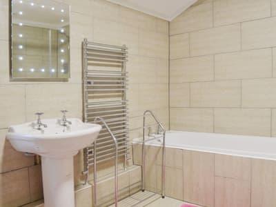 Bathroom   Ty Mawr, Nr. Criccieth