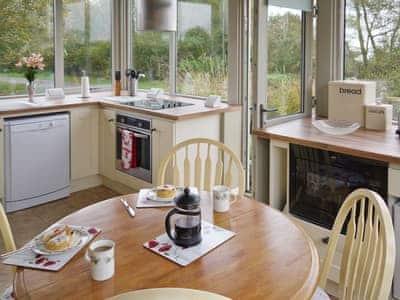 Kitchen/diner/conservatory
