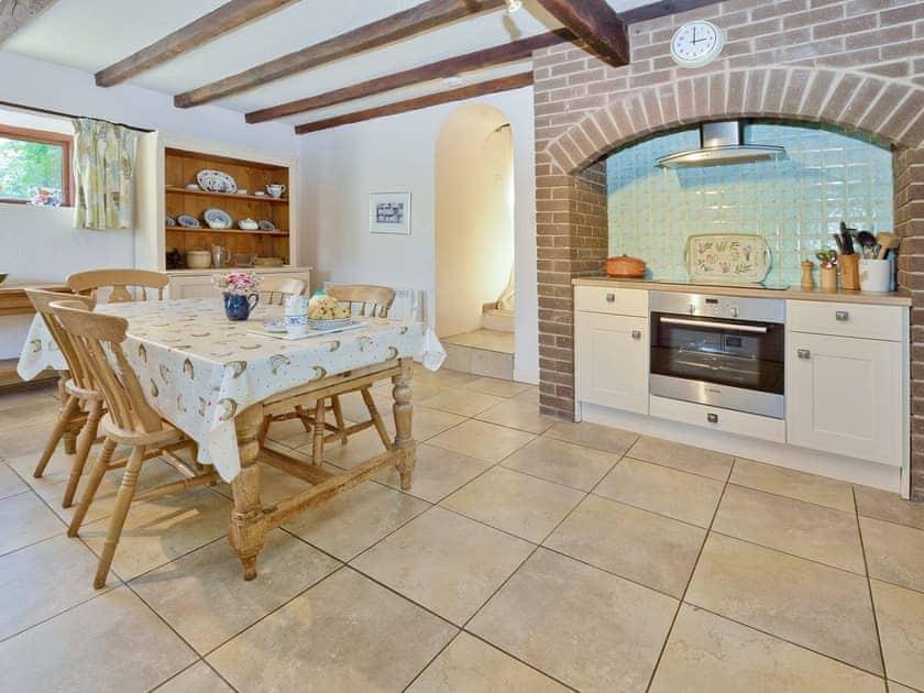 Kitchen/diner | Hyssop Cottage - Nethway Farm, Kingswear