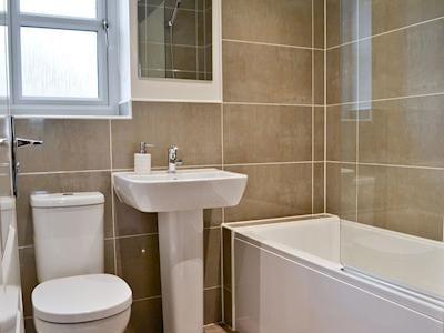 Bathroom   Cowside Cottage, Leyburn