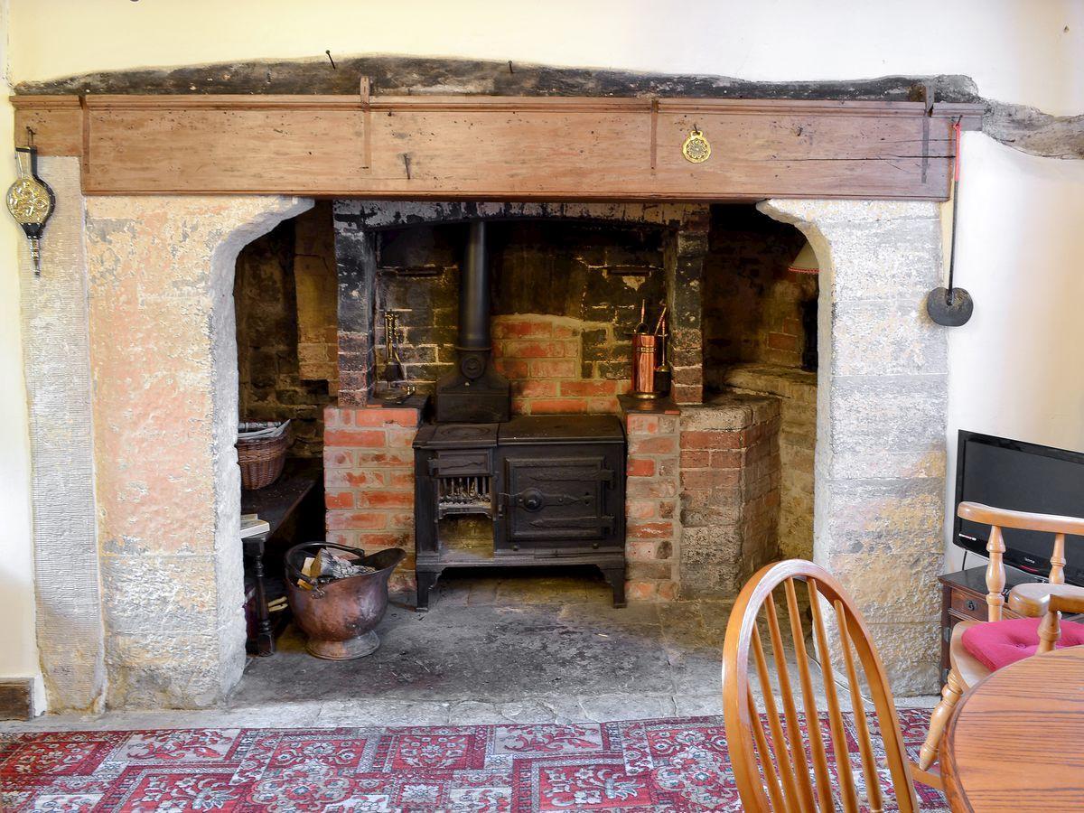 betsy cottage ref w44202 in butleigh near glastonbury somerset