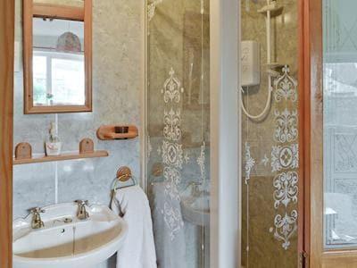 Great En-suite shower room | Rhonepark Steading, Crossmichael near Castle Douglas