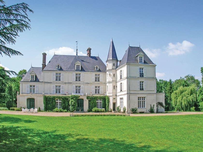 Exterior | Château de Villers, Allonne
