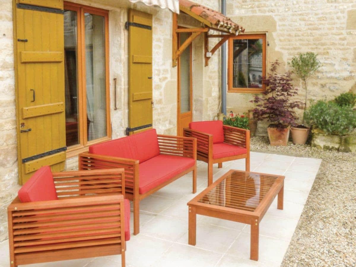 Gites de Jardin - Maison Fleurie (ref FCH204) in Salles lès ...