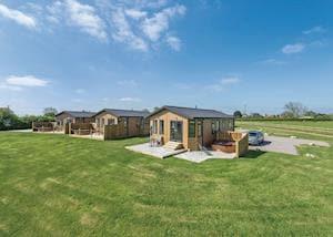 New Oaks Farm Lodges
