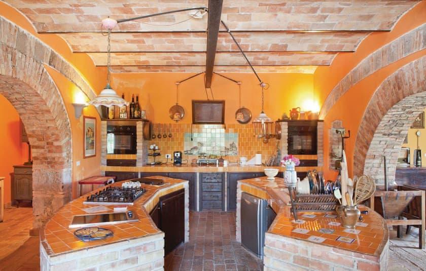 Kitchen   Villa Montefiascone, Montefiascone