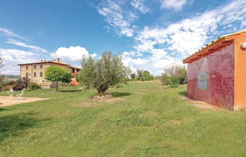 Outdoor area   Villa Montefiascone, Montefiascone